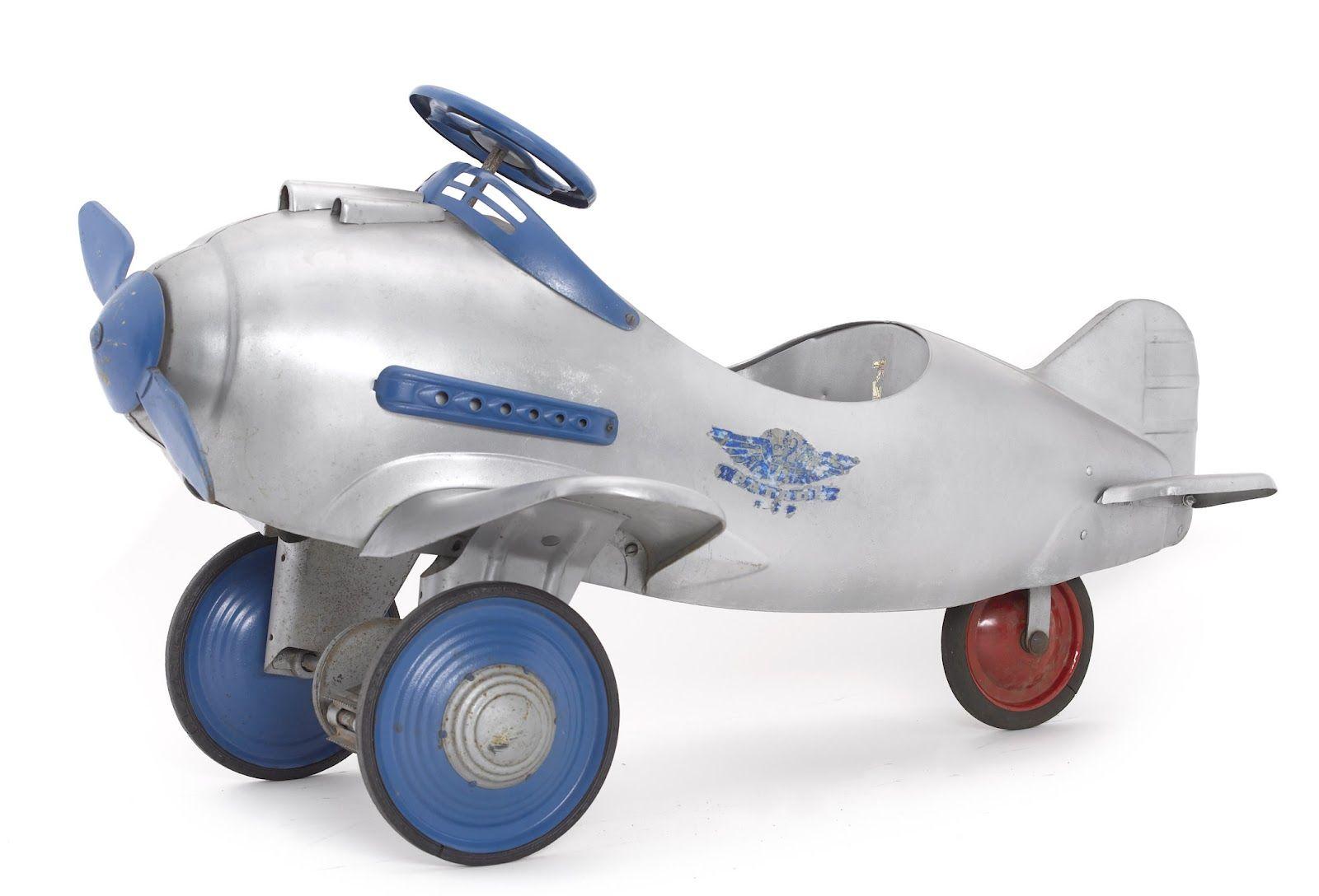 MIDCENTURIA Art, Design and Pursuit pedal car for