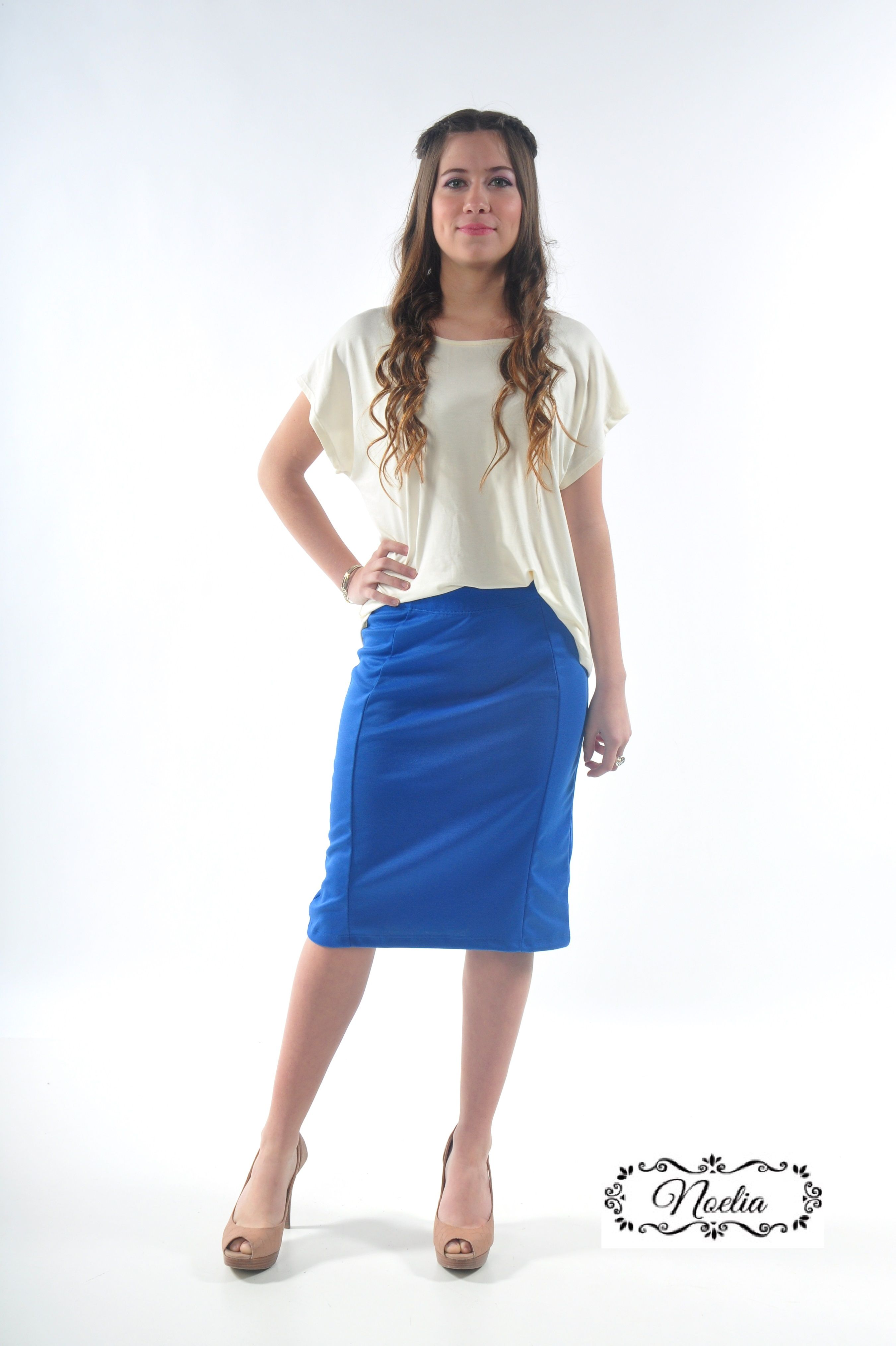 240c8103a Remera modal modesta NoeliaLP y falda tubo de punto roma | Noelia LP ...
