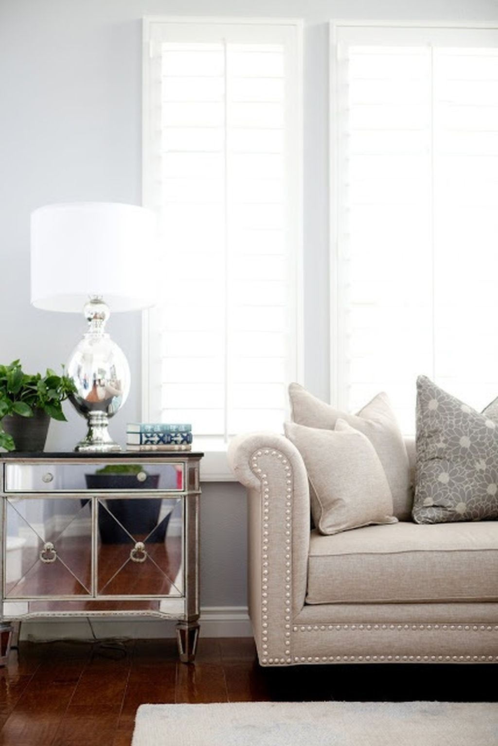 Best Pin By Crystal On Furniture Sofa Scene Home Living 400 x 300