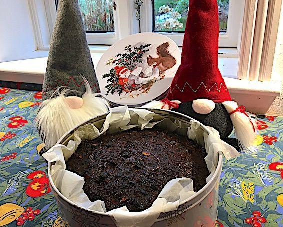 Plumkage som konfekt er julekagen. Plumkage skal der til hver jul. I år skal julekagen have en lidt anden smag og derfor er der nye krydderier i kagen. #konfektjul Plumkage som konfekt er julekagen. Plumkage skal der til hver jul. I år skal julekagen have en lidt anden smag og derfor er der nye krydderier i kagen. #konfektjul