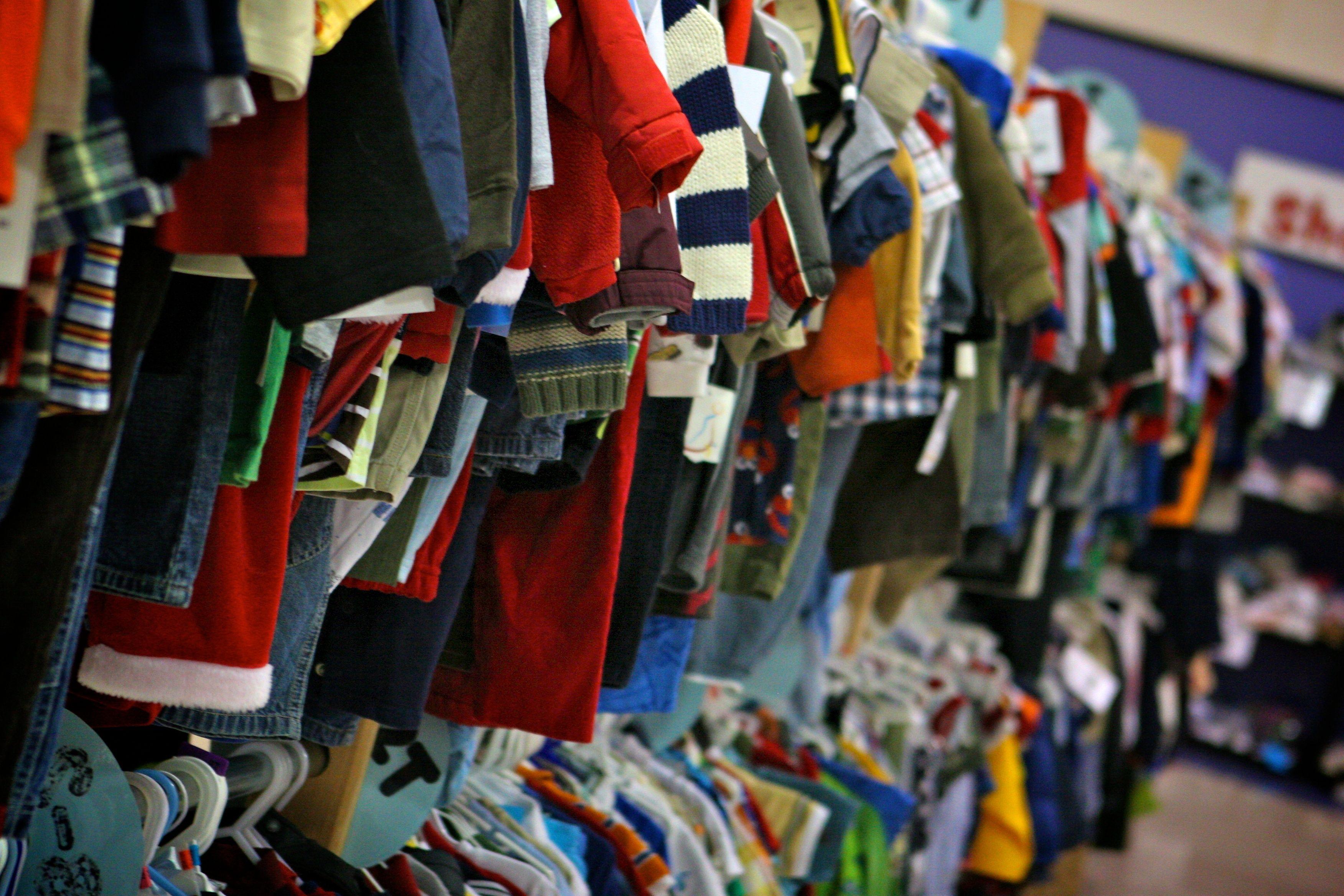 Boys clothes sizes 0-18.