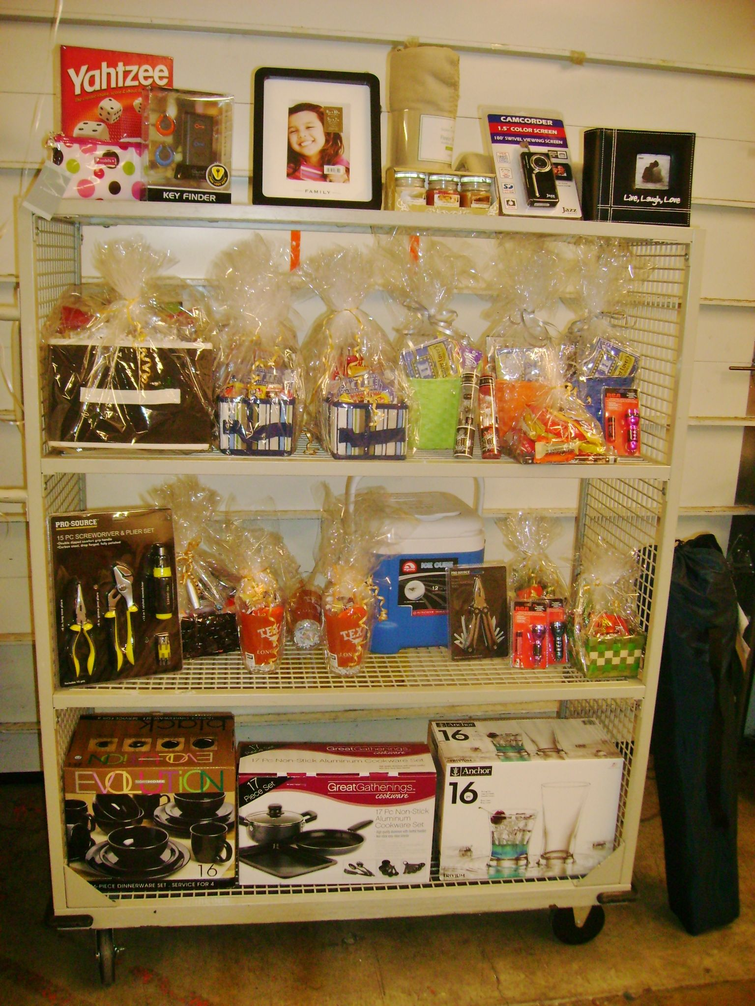 Lovely Christmas Party Raffle Ideas Part - 4: Employee Party Raffle Prizes Gift Baskets