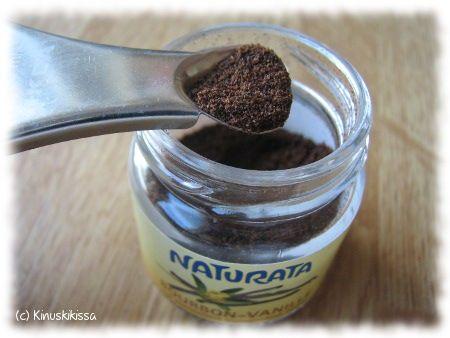Vinkki! Korvaa vaniljasokeri tai -tanko vaniljajauheella
