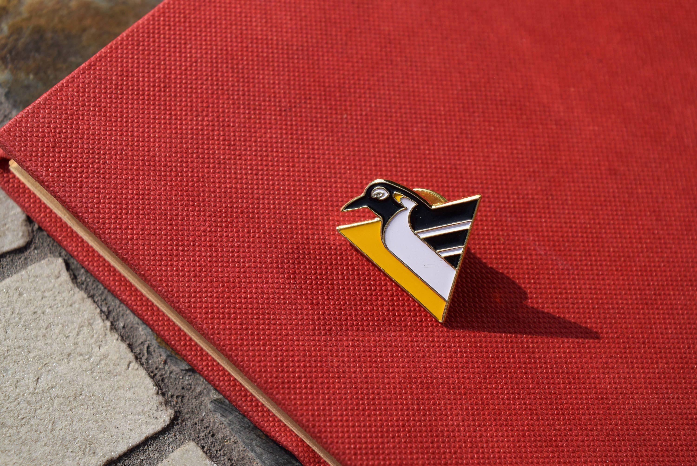 buy online b6100 d7194 Pittsburgh Penguins Lapel Pin - Vintage - 1990s - National ...