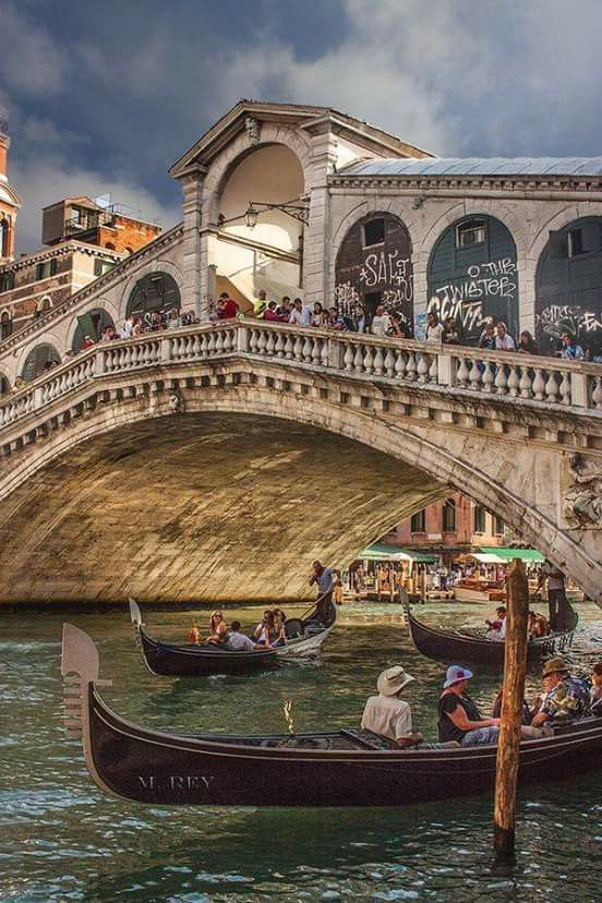 Ponte di Rialto. Photo by Penelope