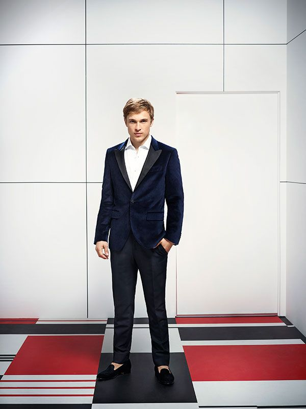 Exclusive Meet The Cast Of The Royals Aka Every Gossip Girl Fan S Dream Come True William Moseley Royal Tv Show Liam Williams