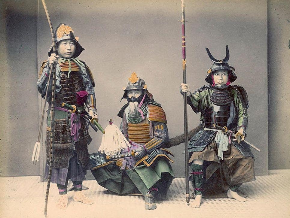 Los últimos samuráis, en imágenes | En 1868 comenzó en Japón la Restauración Meiji, hecho que provocó la caída del régimen feudal del Shogunato Tokugawa, en el que los samuráis eran los encargados de mantener la paz del país. El nuevo emperador Meiji, cuyo propósito era modernizar Japón y convertirlo en una potencia mundial, abolió los privilegios de los samurái. Un año después, en 1867, los guerreros se enfrentaron al gobierno Meiji en la famosa Rebelión de Satsuna, en la que fueron…