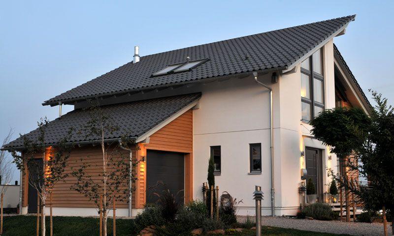 Garage Mit Holzfassade, Passend Zum Versetzten Pultdach