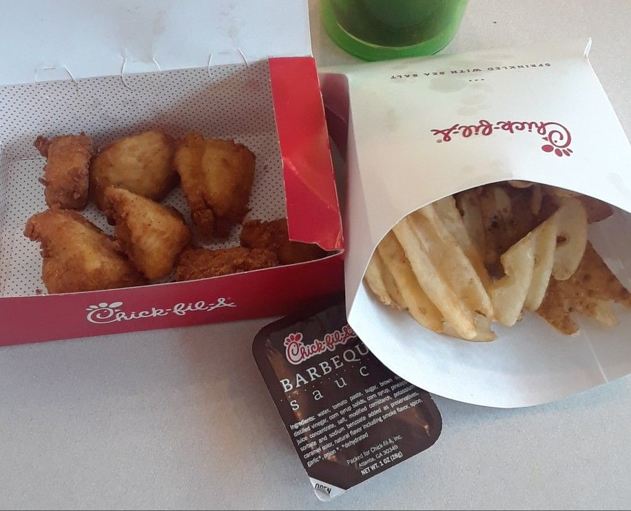 LUNCH 4/26/2018: Chick-fil-A Chicken Nuggets, Waffle Fries