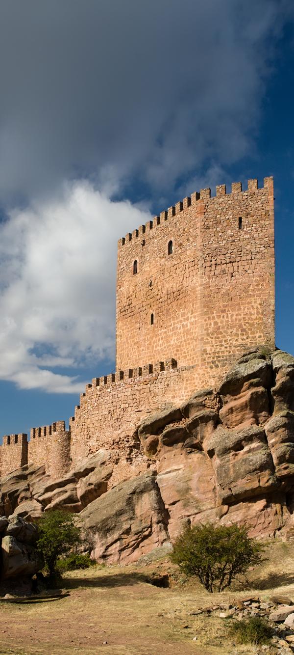 Todos Los Lugares De Juego De Tronos En España Castillos Fotos De Castillos Castillos Abandonados