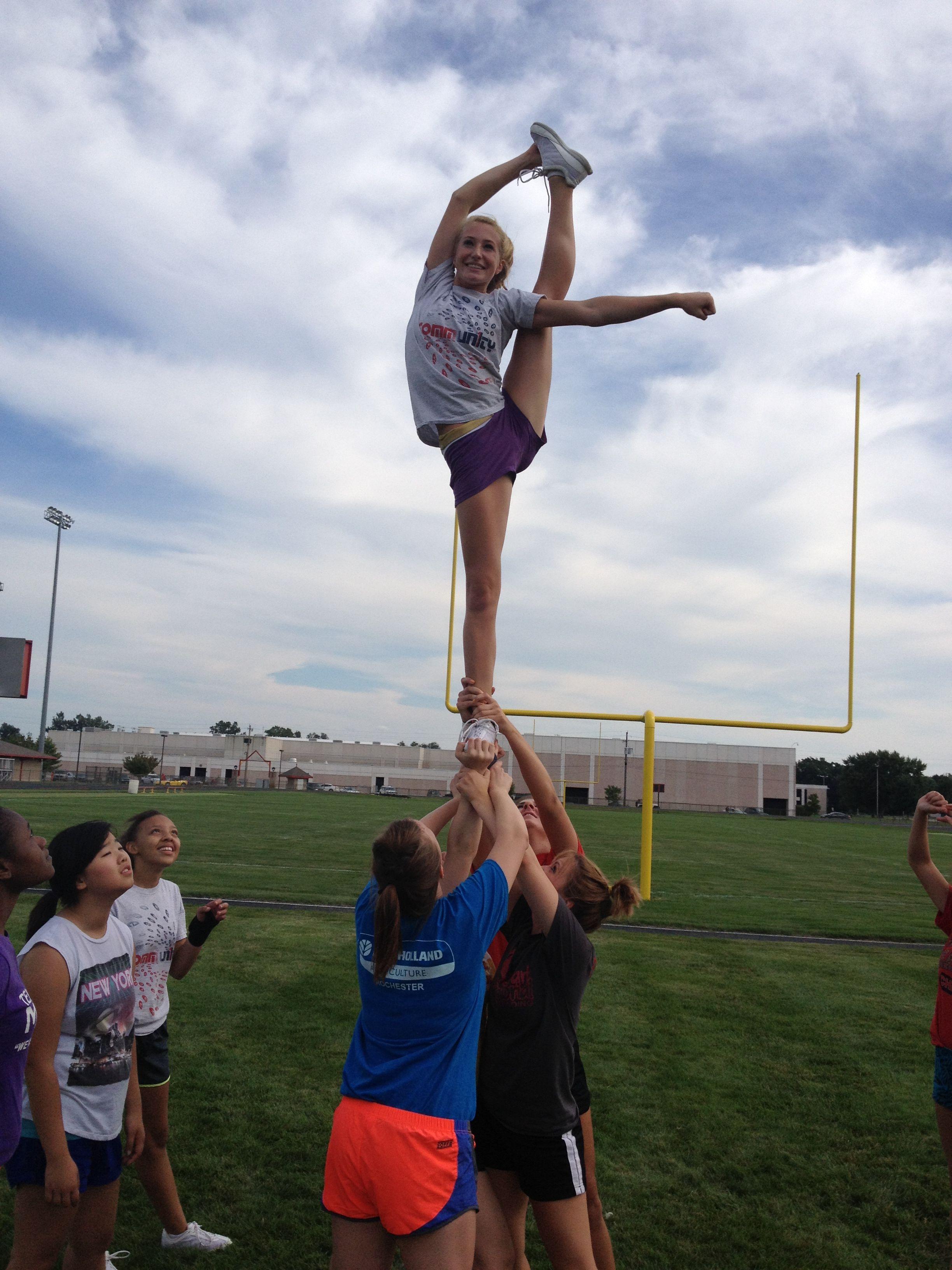 Cheer Stunt Bow Arrow Cheer And Gymnastics Cheer Stunts