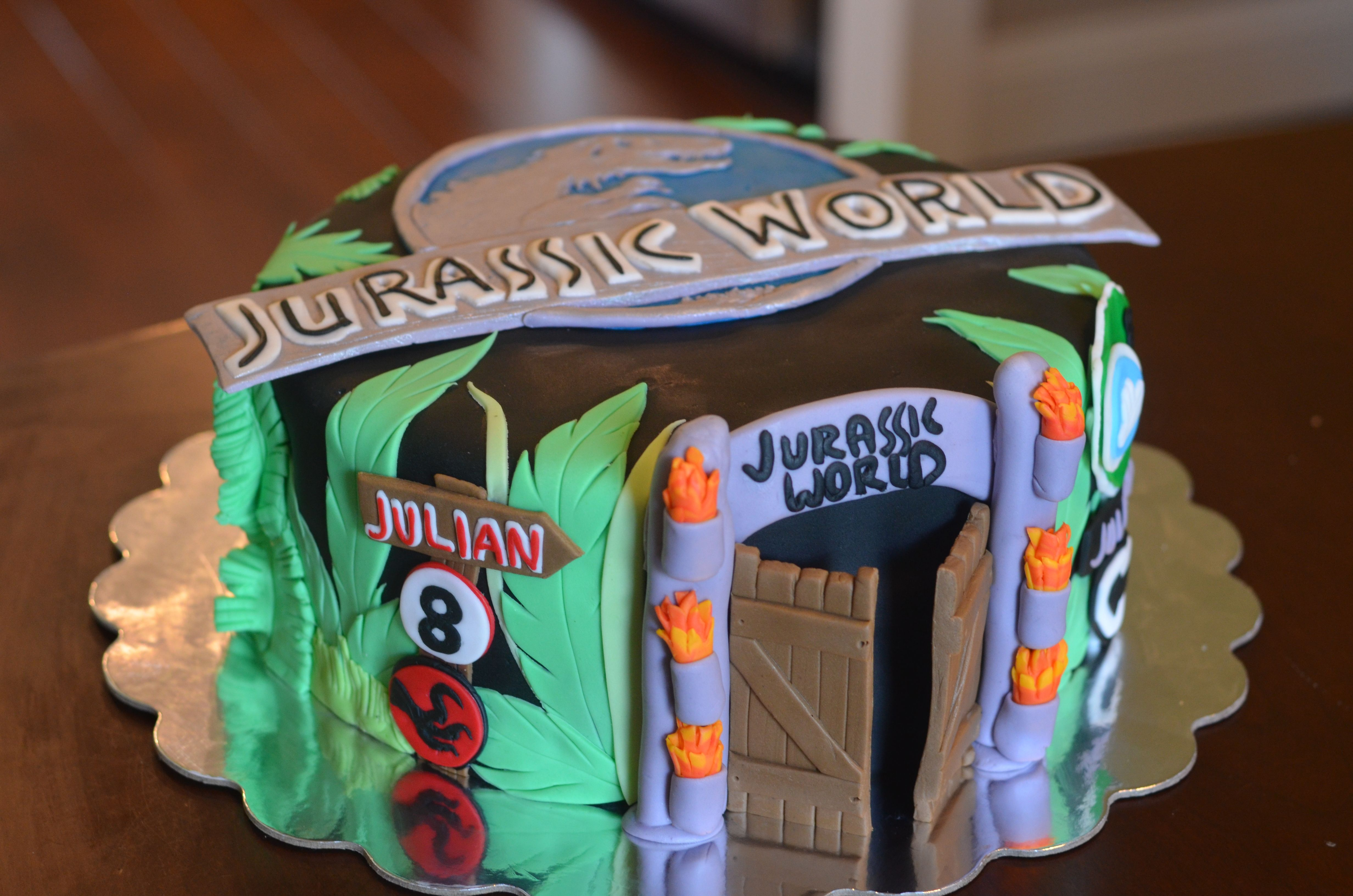 Jurassic World Cake I made for an 8 yr olds birthday party #jurassicworld