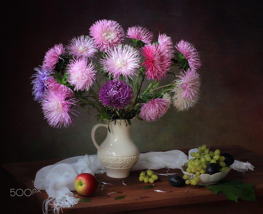 Victor Dovbenko B 1967 Asters 768 650 Flower Art Flower Painting Flower Vases