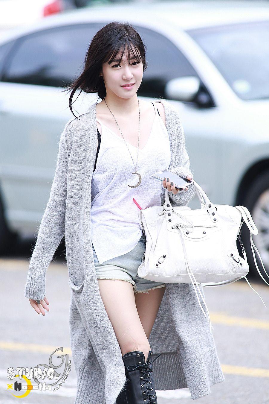 Ela N O Precisa De Tapete Vermelho Para Desfilar 12 Snsd Tiffany Hwang Pinterest Tiffany