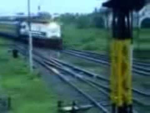 Video Hantu Nyata - Penampakan Hantu Di Kereta Api Indonesia