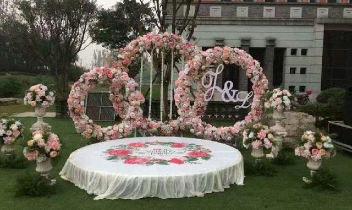Bridal Large Iron Round Ring Arches Frame Background