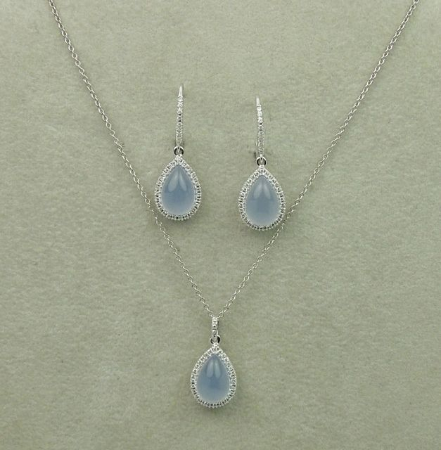 What gem doesn't play nice in the jewelry box? Moonstone… It should be stored separately to avoid scratching.