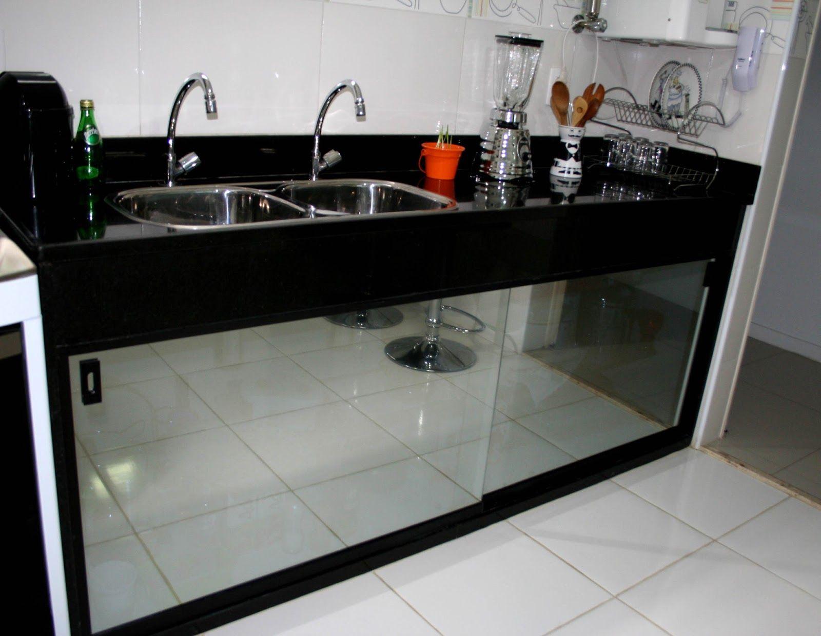 Armario De Cozinha De Alvenaria E Vidro Fechamento De Pia