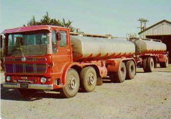 Aec In New Zealand With Images Vintage Trucks Lorry Old Lorries