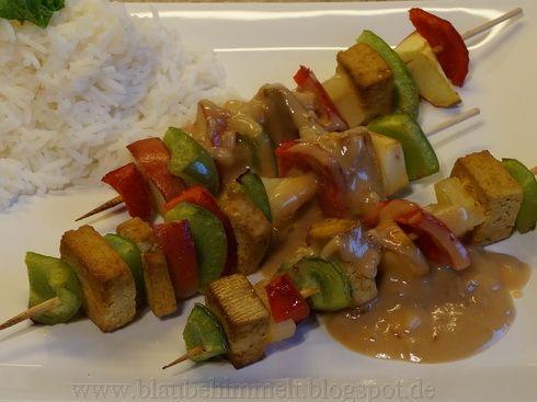"""Susi hat sich an ein Kochbuchrezept aus """"Vegan lecker lecker"""" gewagt und war gnadenlos begeistert von den Satay-Spießen"""