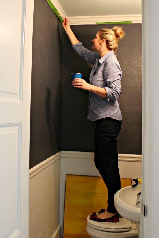 Grasscloth Wallpaper Tutorial A Diy For A Fraction Of The Cost Grasscloth Wallpaper Bathroom Wallpaper Grasscloth