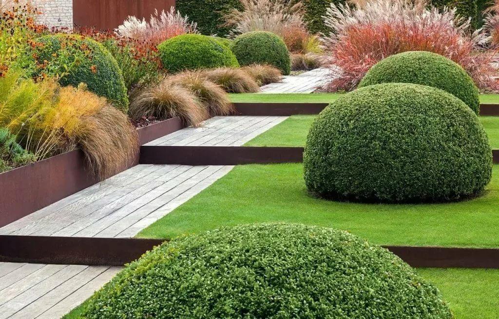 23+ SLOPED BACKYARD IDEAS ON A BUDGET | Gardendesignmy in ... on Small Sloped Backyard Ideas On A Budget id=94079