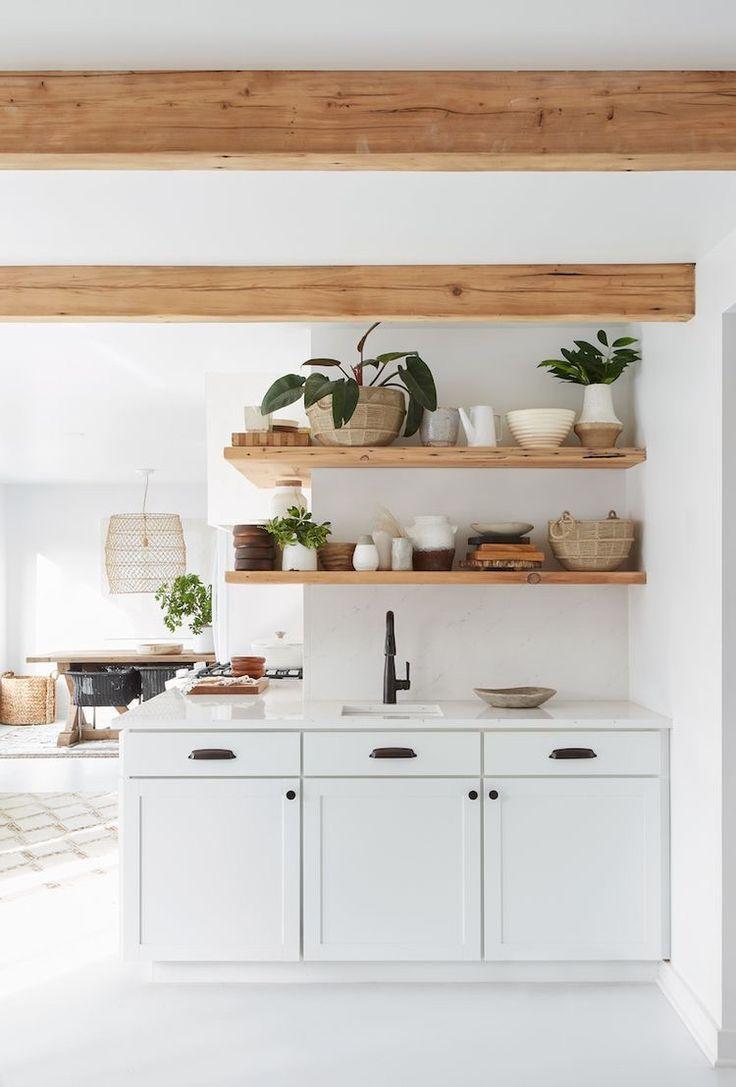 Photo of Ich liebe diese Holzbalken und offenen Regale! – Wohnzimmer Dekoration