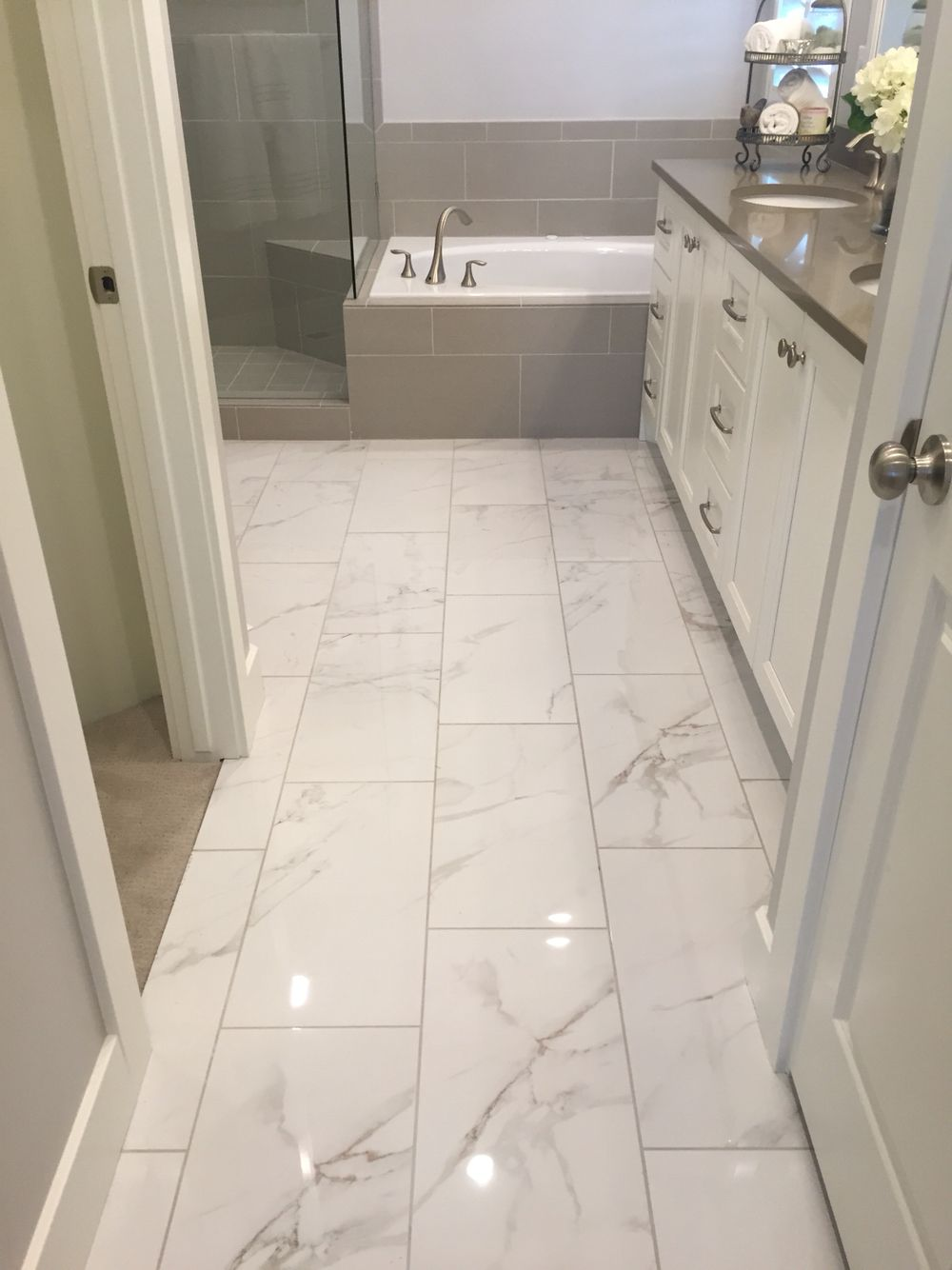 I like shiny tile  the loo in 2019  Marble tile