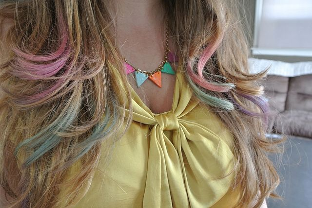 DIY: Colored hair made with chalk