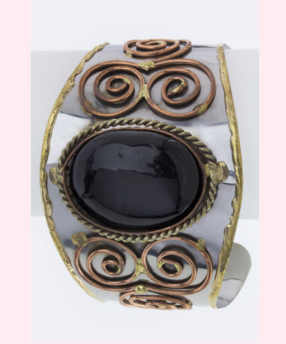 I'm auctioning 'Genuine Agate Copper Swirl Cuff Bracelet ' in the Daily Bazaar auction on #tophatter