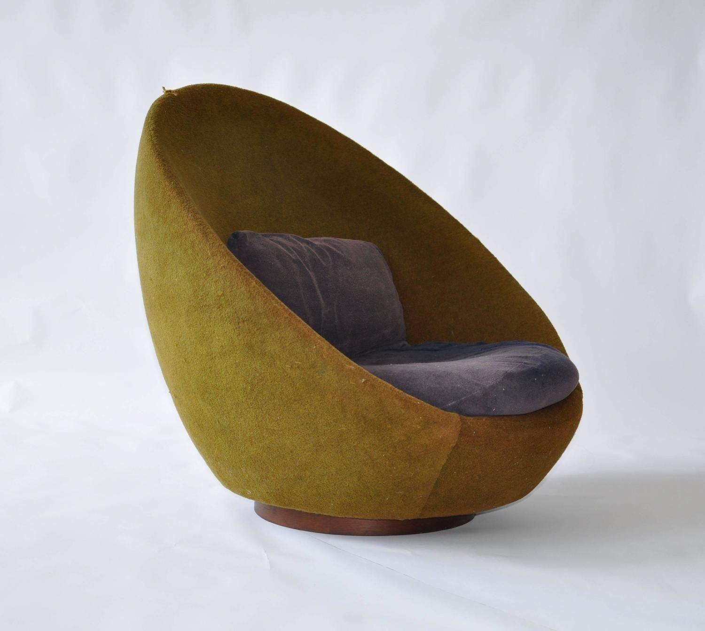 Rare Scale Milo Baughman Swivel Chair