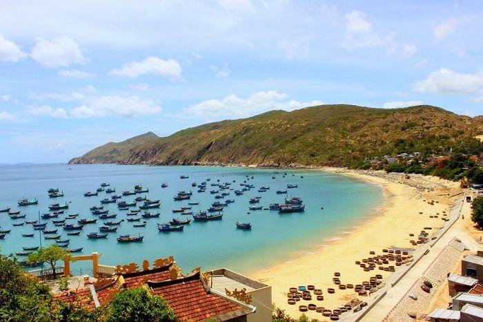 Việt Nam luôn có nhiều điều thú vị trải dài trên mảnh đất hình chữ S này bởi Việt Nam sở hữu tất cả các yếu tố như sông suối, rừng núi, biển đảo,… Trong đó Việt Nam sở hữu 3 bán đảo du lịch tuyệt đẹp sẽ khiến bạn ngây ngất khi đến đây …