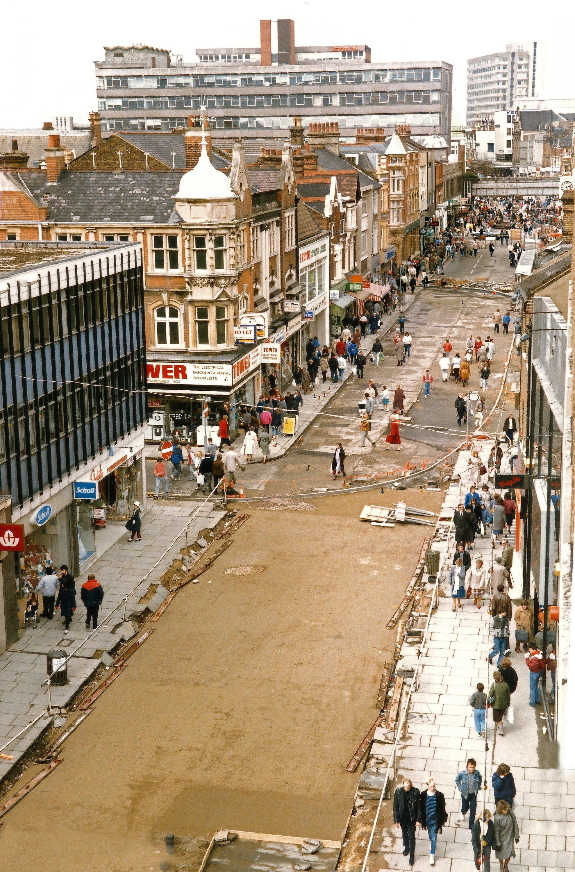 For Throwback Thursday We Re Delighted To Reveal These Incredible Images Of The Royals And Southend High Street From Th Southend Southend On Sea Local Studies