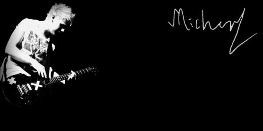 Michael Clifford Twitter Header - tweet me @heartcake_girl