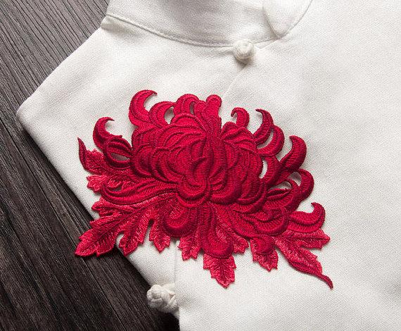 Brodé Appliques de chrysanthèmes, fleurs brodées, coudre-sur les patchs pour les…                                                                                                                                                                                 Plus