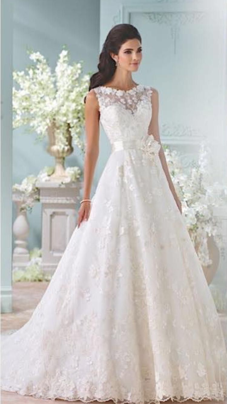 Pin by Laura Canty on Irish wedding dresses | Pinterest | Irish ...