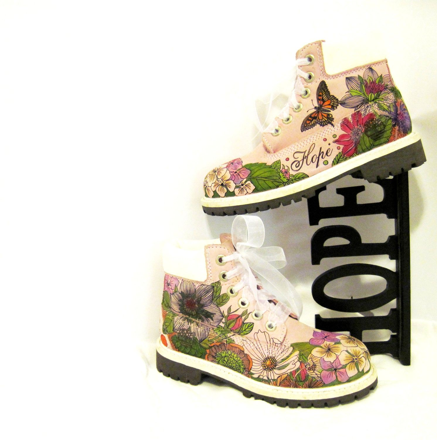 Kids boots hand painted Timberland faith hope love. $129.00