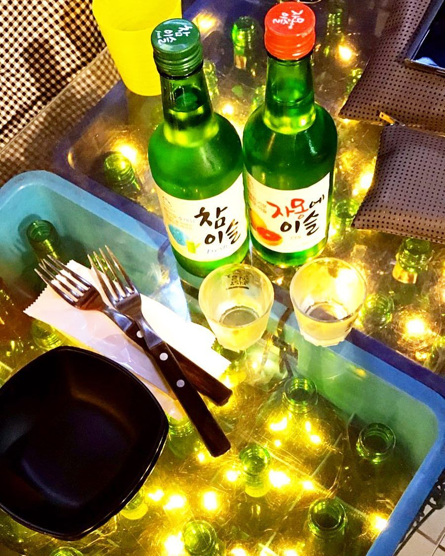 소주한잔  나는 남들이 막 머라고해도 자몽에이슬이 좋다  gotta love my grapefruit soju  #soju #korea #seoul #trip #hometown #happy #moment #free #traveling #traveler #소주 #자몽에이슬 #좋다 #넘좋다 #소주한잔 #사랑해
