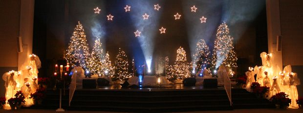 Glowing Angels And Trees Christmas Stage Christmas Stage Design Christmas Concert