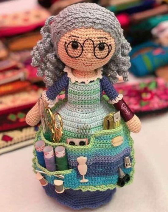 Crafter Granny Crochet Doll Free Pattern #crochettoysanddolls