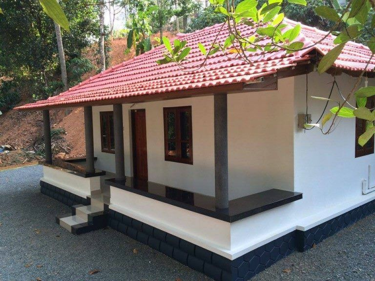 550 sq ft low budget kerala traditional home free plan for Small budget house plans in kerala