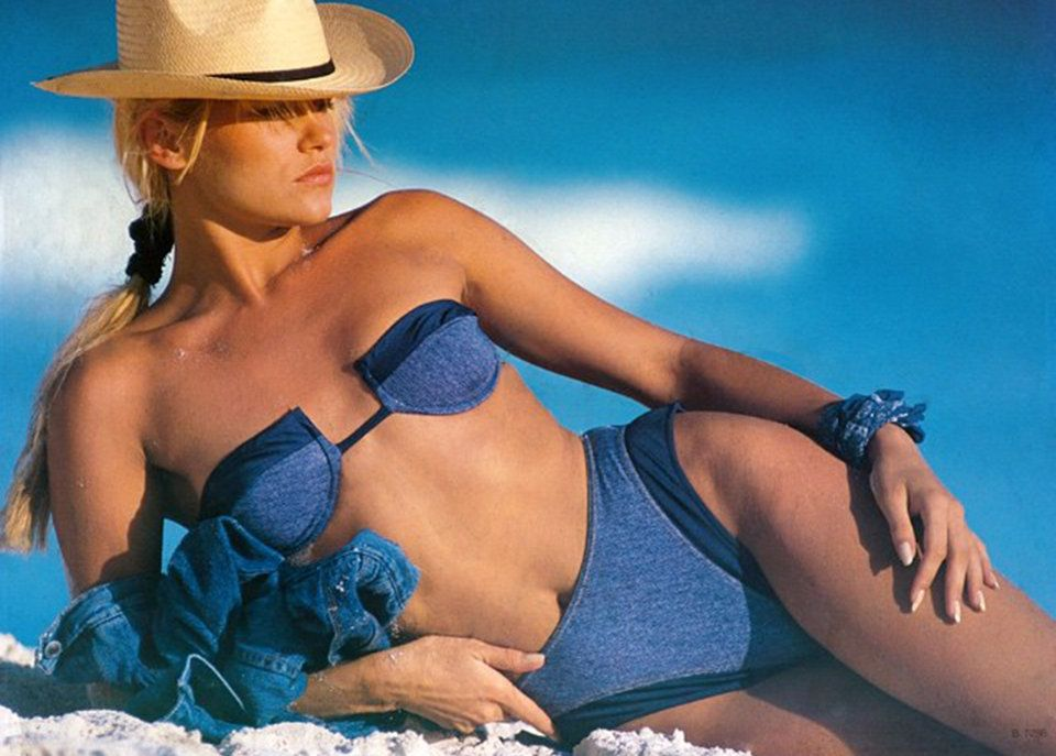 Yolanda Hadid's Fierce Throwback Modeling Photos | Yolanda ...