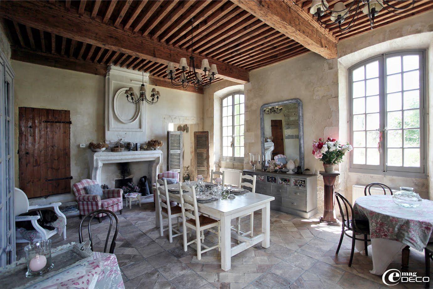Chambre Provencale Idee Deco la salle à manger du posterlon, chambres d'hôtes de charme