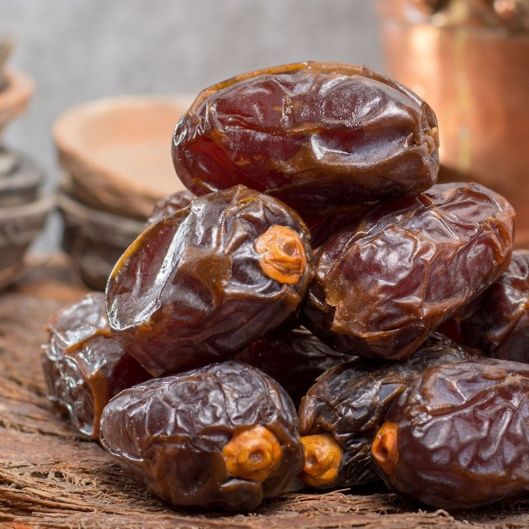 Worldofvegan Posted To Instagram Have You Ever Had Plump Soft Gooey Fresh Dates They Re East Dessert Peanut Butter Chocolate Chip Chocolate Peanut Butter