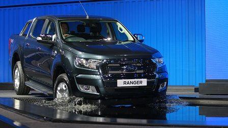 daftar harga tiga mobil ford terbaru everest ranger focus http