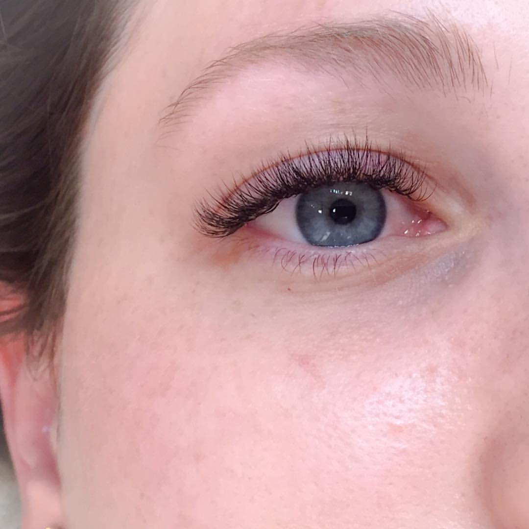 Soft and Fluffy Volume | Eyelash Extensions | Eyelash extensions