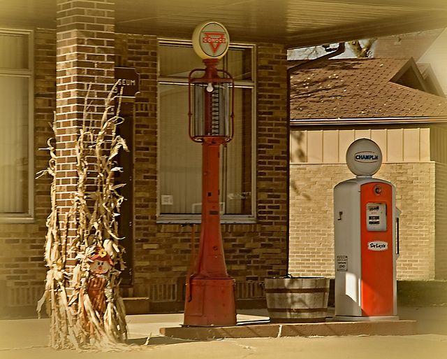 Readlyn, Iowa by Pete Zarria, via Flickr