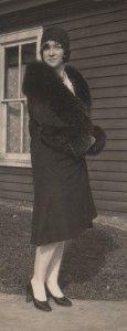 women in fur coat 1920s