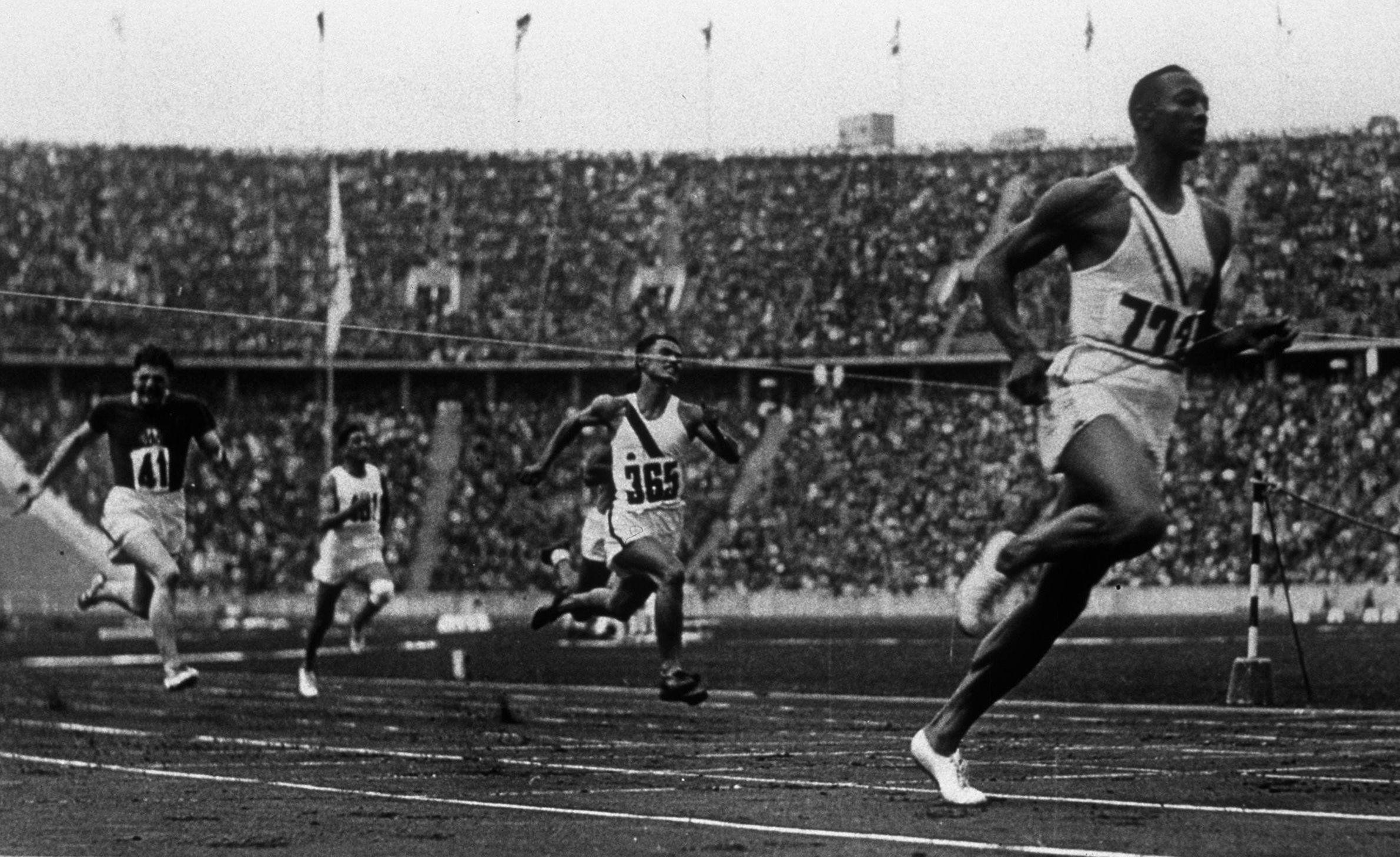 Jesse Owens, Berlin (1936) | beau | Pinterest | Nutrición, El ...