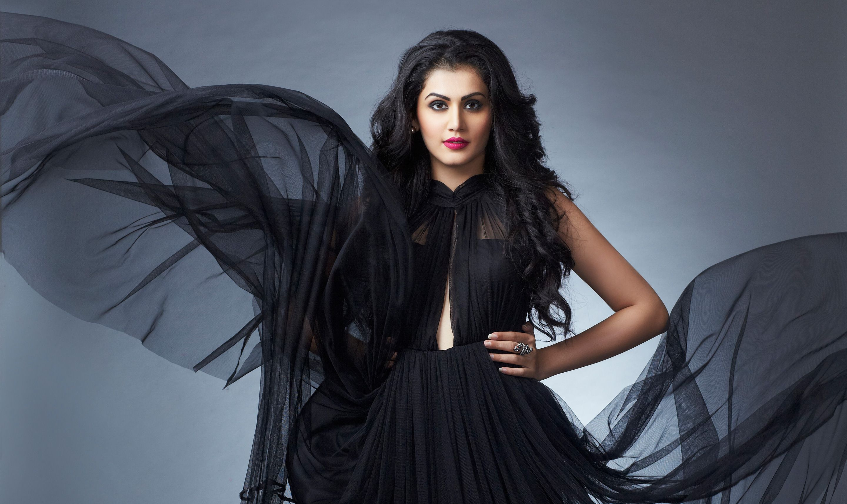You want to meet with tapsee pannu give her smile tapseepannu you want to meet with tapsee pannu give her smile tapseepannu bollywoodoops m4hsunfo